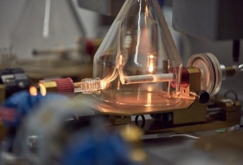 Поглед отблизо върху научната работа на ФМИ: липса на процес на горене