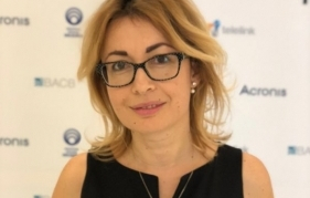 Адв. Свилена Димитрова: Опашките за ваксини противоречат на противоепидемичните мерки